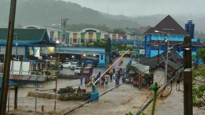 banjir-pelabuhan-ratu_20170114_152310