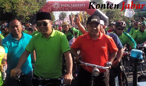 Ridwan Kamil dan Uu Ruzhanul Ulum