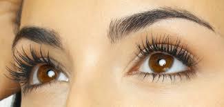 Bulu mata tebal dan panjang
