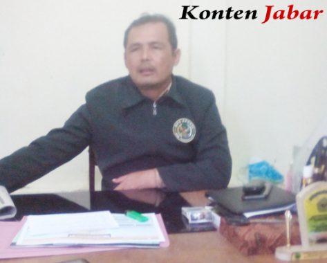 Tantan Taufiq Kepala Desa Gombong