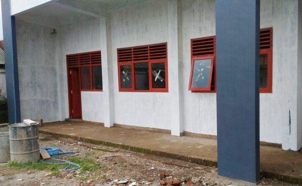 Awasi Pembangunan RKB Sekolah Hitam di Atas Putih Dengan Pemborong