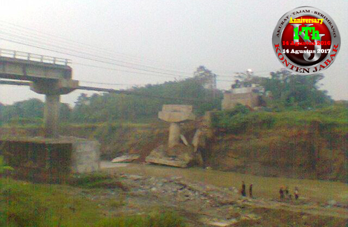 Jembatan Cipamingkis Jonggol Hingga Kini Masih Tahap Pembongkaran Edit 4 copy