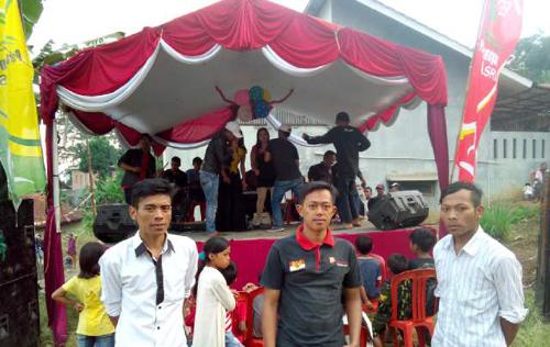 Di Kampung Ini Balap Karung dan Panjat Pinang Ramaikan HUT NKRI