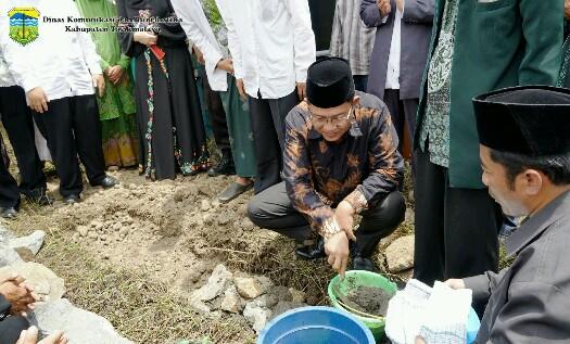Peletakan Batu Pertama Pembangunan Gedung NU MWC Cigalontang, bertempat di Kp. Cibeureum, Desa Nanggerang, Kec. Cigalontang,