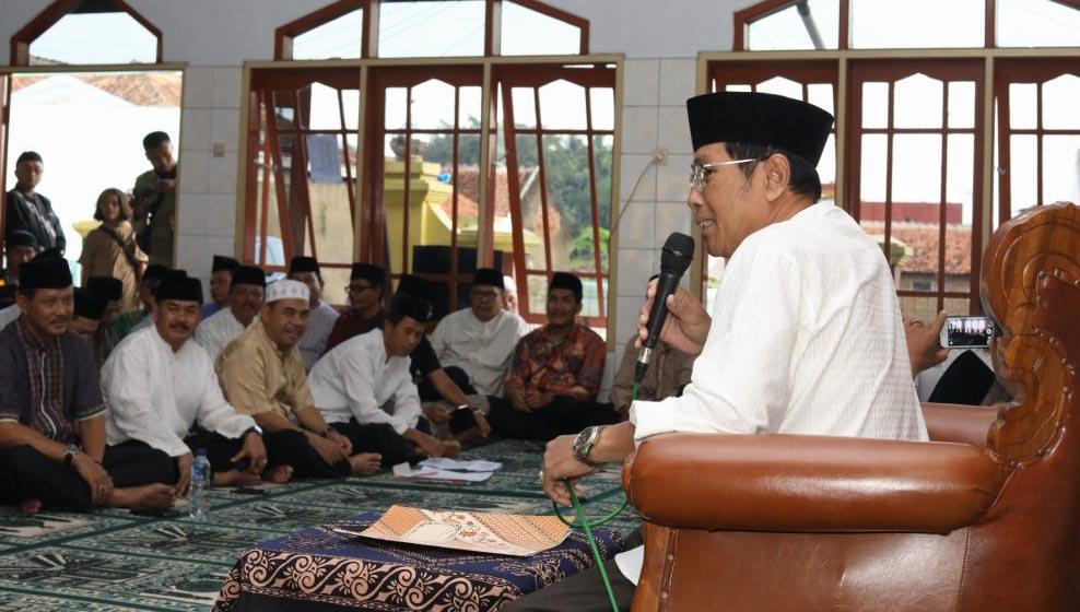 Wakil Walikota Tasikmalaya, Drs. H. Muhammad Yusuf, saat sambutan di podium acara Safari Ramadhan, di