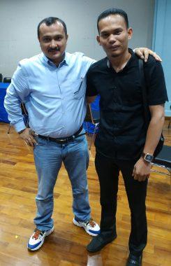 Politisi Demokrat Ferdinan Hutahaean (Kiri) terlihat sedang berfoto bersama dengan Yunan Nasution (Kanan).
