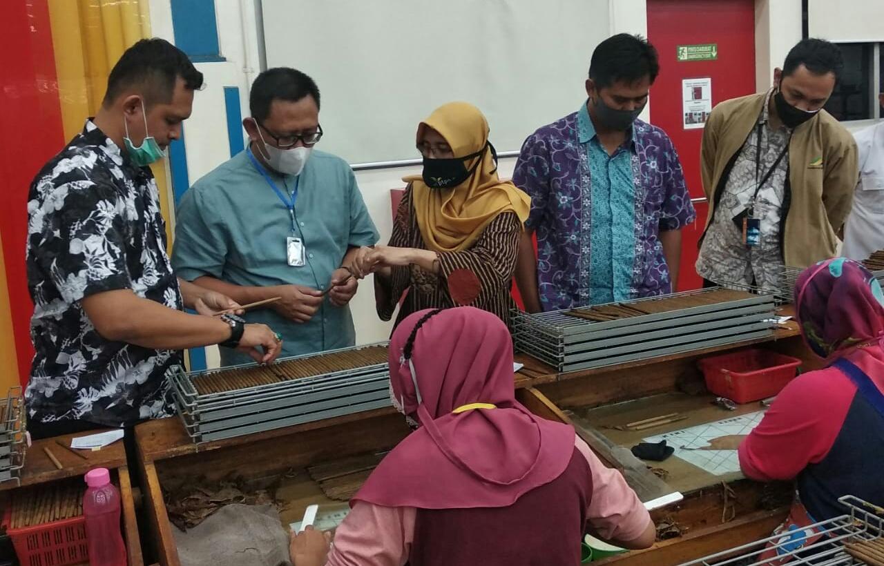 Kunjungan Di Ptpn X Direktur Dwi Sutoro Standard Pabrik Dan Kerjanya Terbaik Kontenindonesia Com